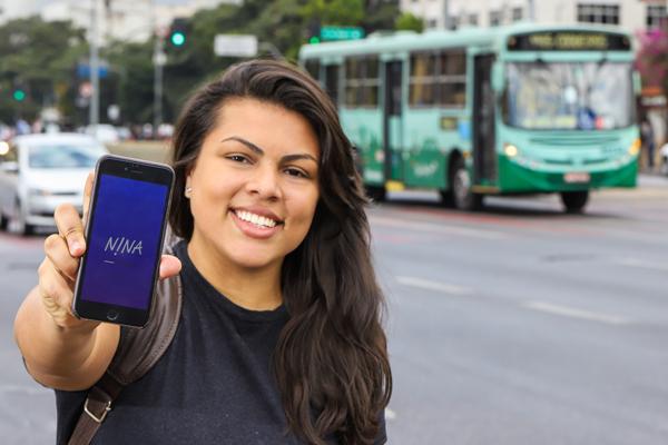 O app Nina recebeu prêmios por pensar em soluções para a mobilidade de mulheres. (Fonte: Nina/Reprodução)
