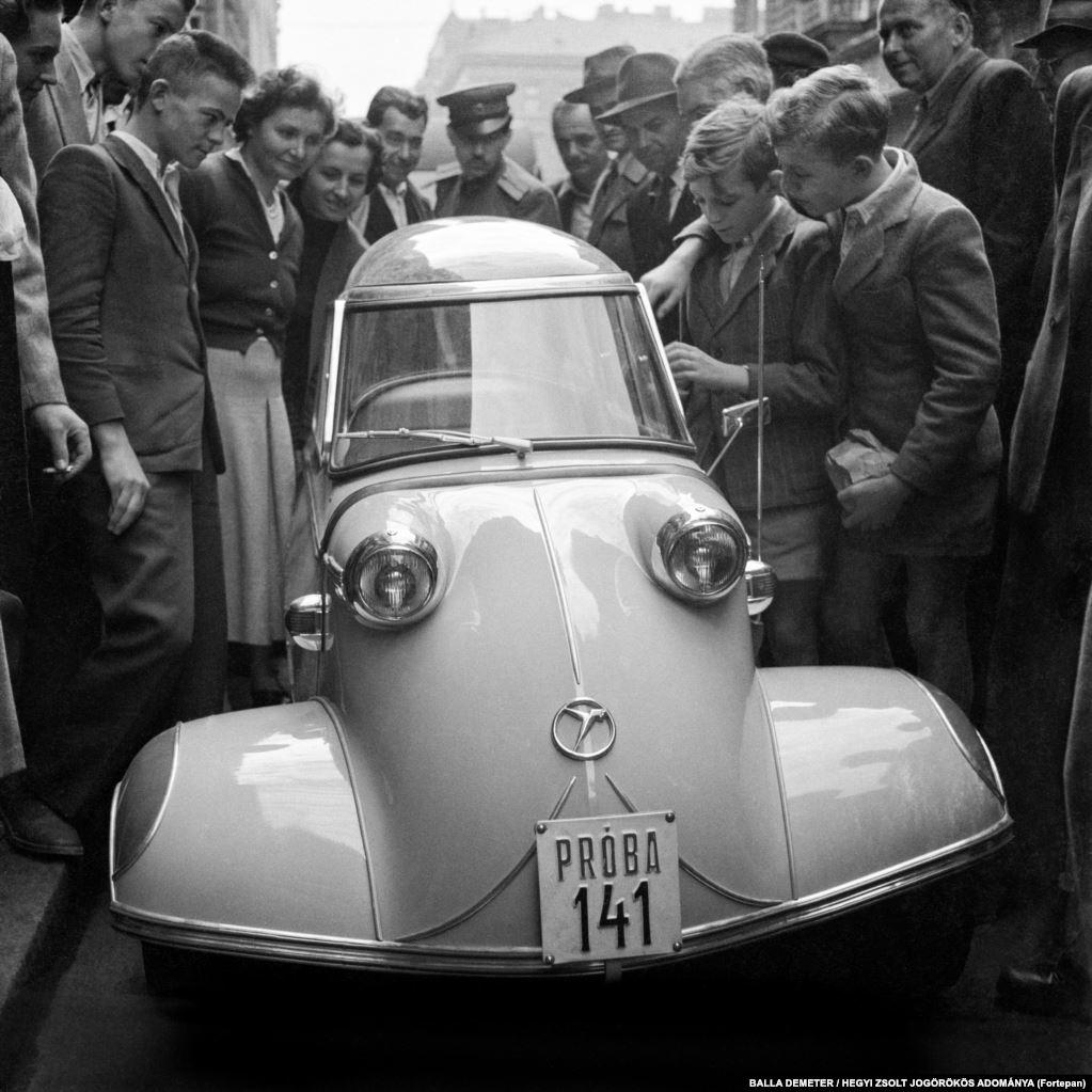 Изготовленный в Германии мотороллер с кабиной Мессершмитт в 1955 году в Венгрии