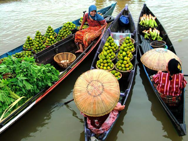 Menelusuri Pasar Apung Muara Kuin, Pasar Apung Tertua di Indonesia (3)