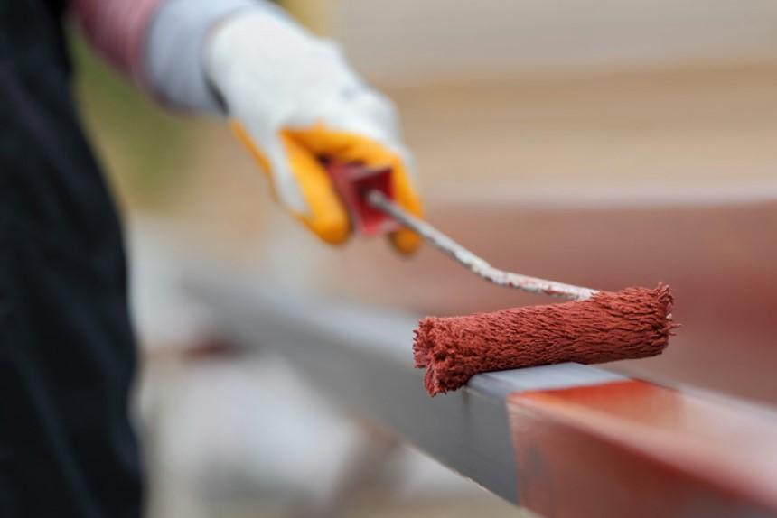 Tăng độ bền cho khung kèo bằng sơn chống rỉ