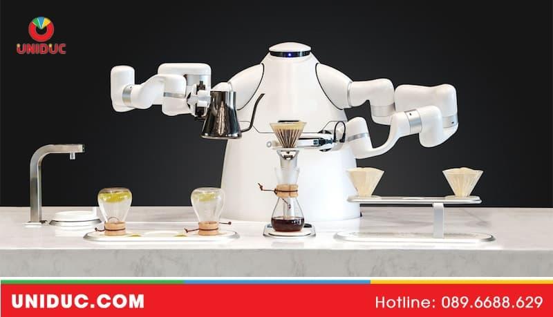 Tư vấn sử dụng robot phục vụ nhà hàng sao cho phù hợp