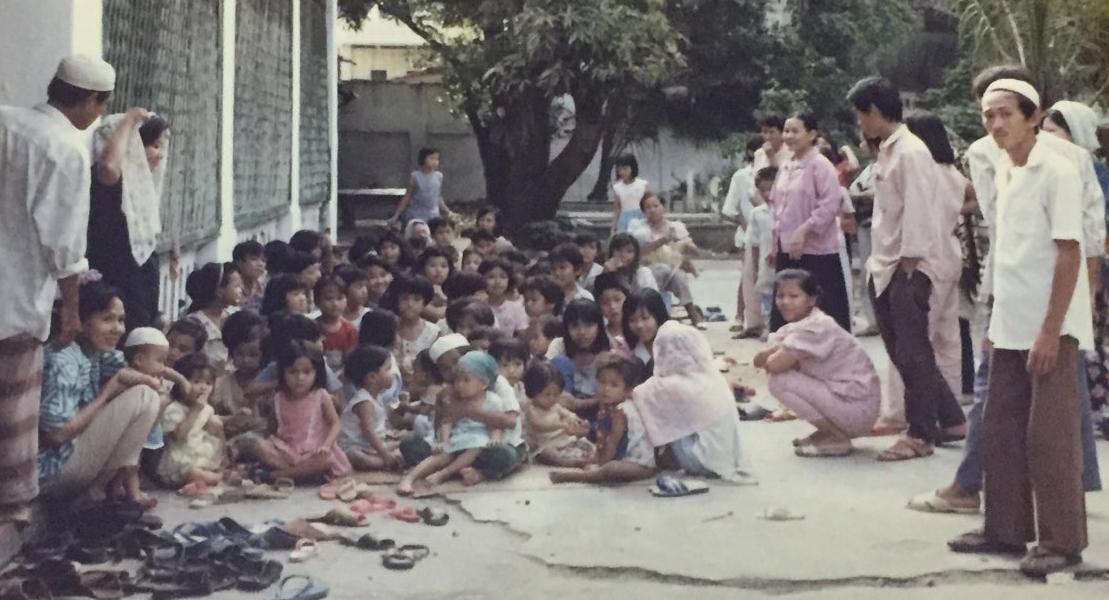 MACHD1tb:Users:Qasimtu:Desktop:Tin Do Hoi Giao bi Chinh Quyen Dia Phuong Tan cong:On Co Tri Tan Photo:hocsinh tap trung tại thánh duong.jpg