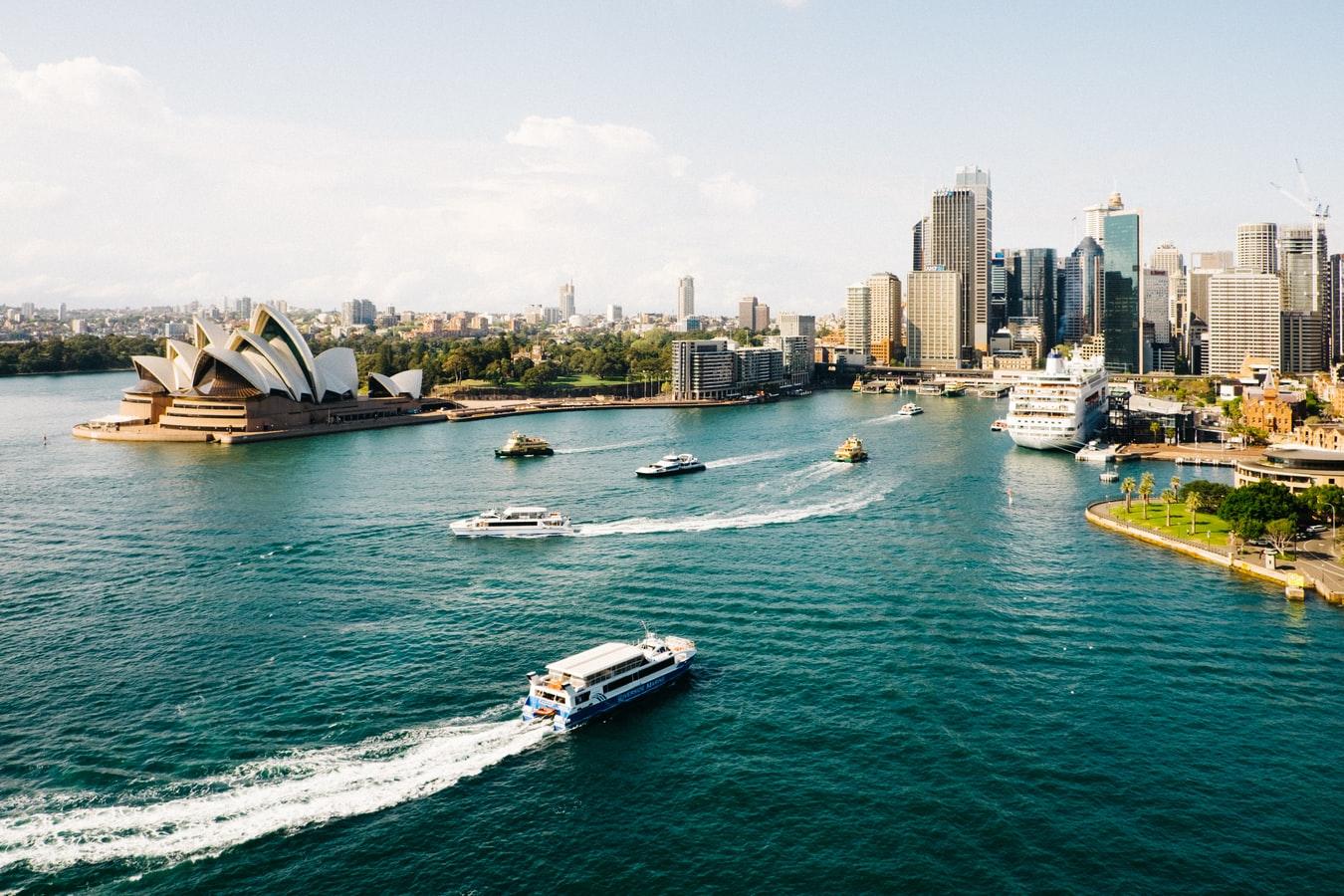 Phí vận chuyển hàng từ Úc về Việt Nam