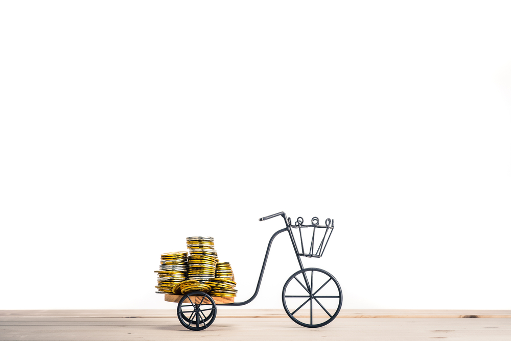 Importação de bikes paga mais impostos do que carros, bebidas alcoólicas e até cigarros. (Fonte: Shutterstock/beeboys/Reprodução)