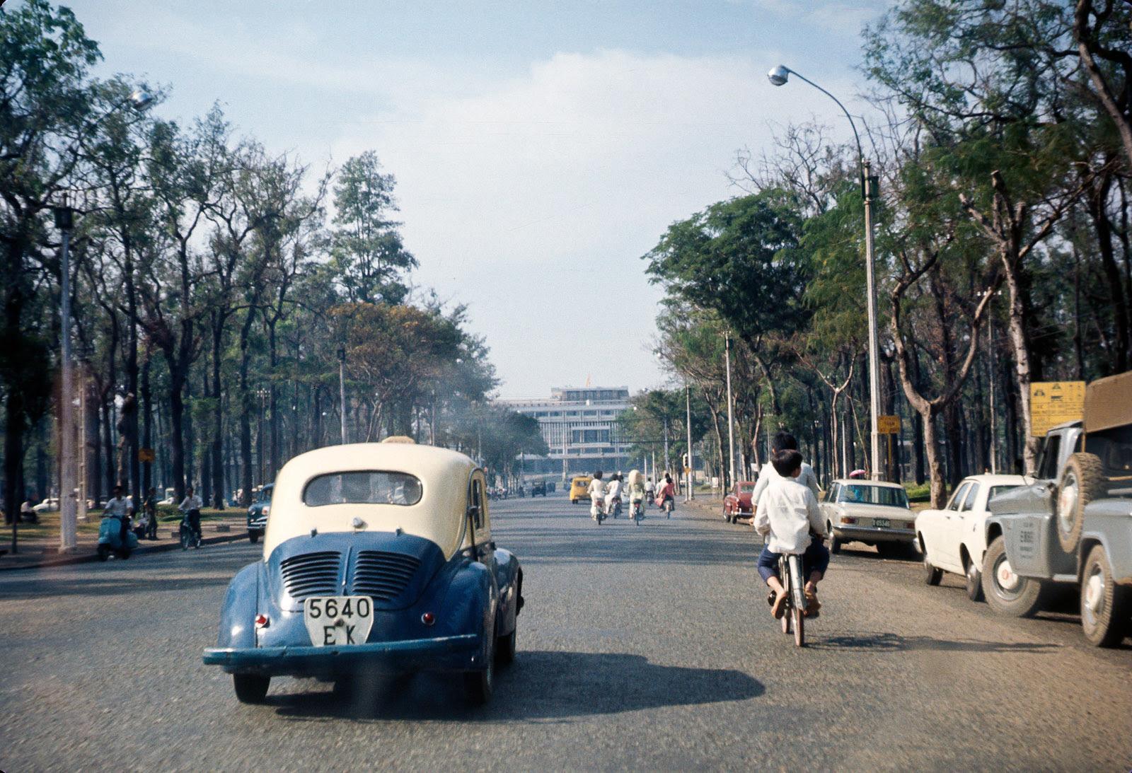 60 tấm ảnh màu đẹp nhất của đường phố Saigon thập niên 1960-1970 - 71