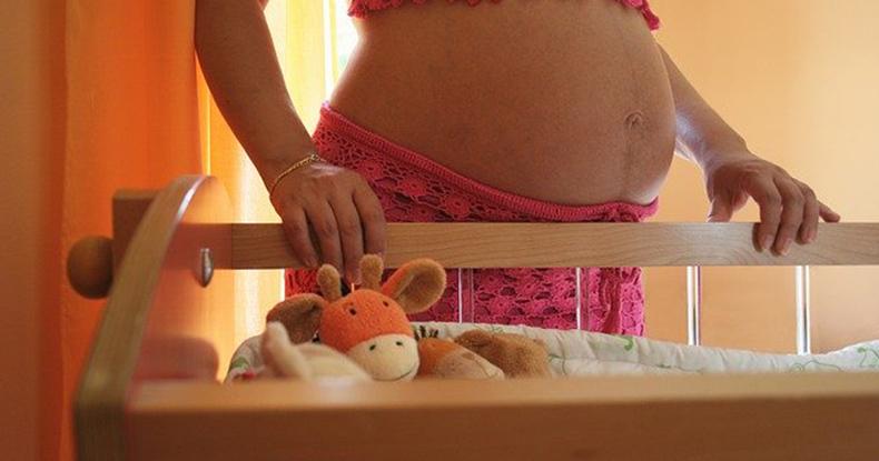 妊娠 ベビーベッド