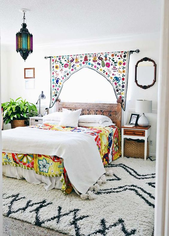 Colorful Moroccan Bedroom for Small Space