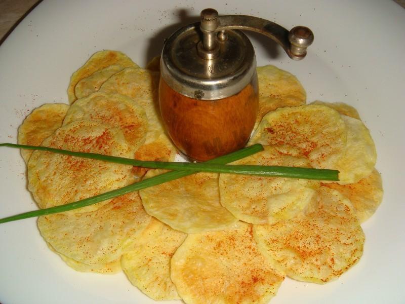 13. Приготовить картофельные чипсы идея, микроволновка