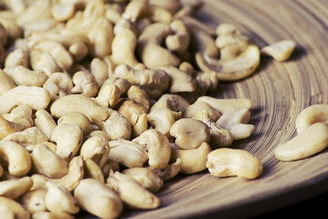 cashew-931960_640.jpg