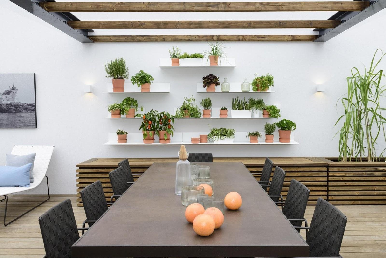 Verwenden Sie Pflanzen, um Ihre Terrasse zu dekorieren