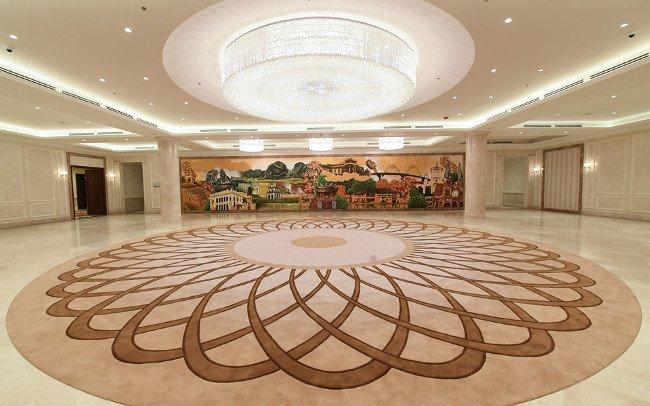 Đại sảnh chính là nơi diễn ra lễ đón chính thức 21 nhà lãnh đạo APEC