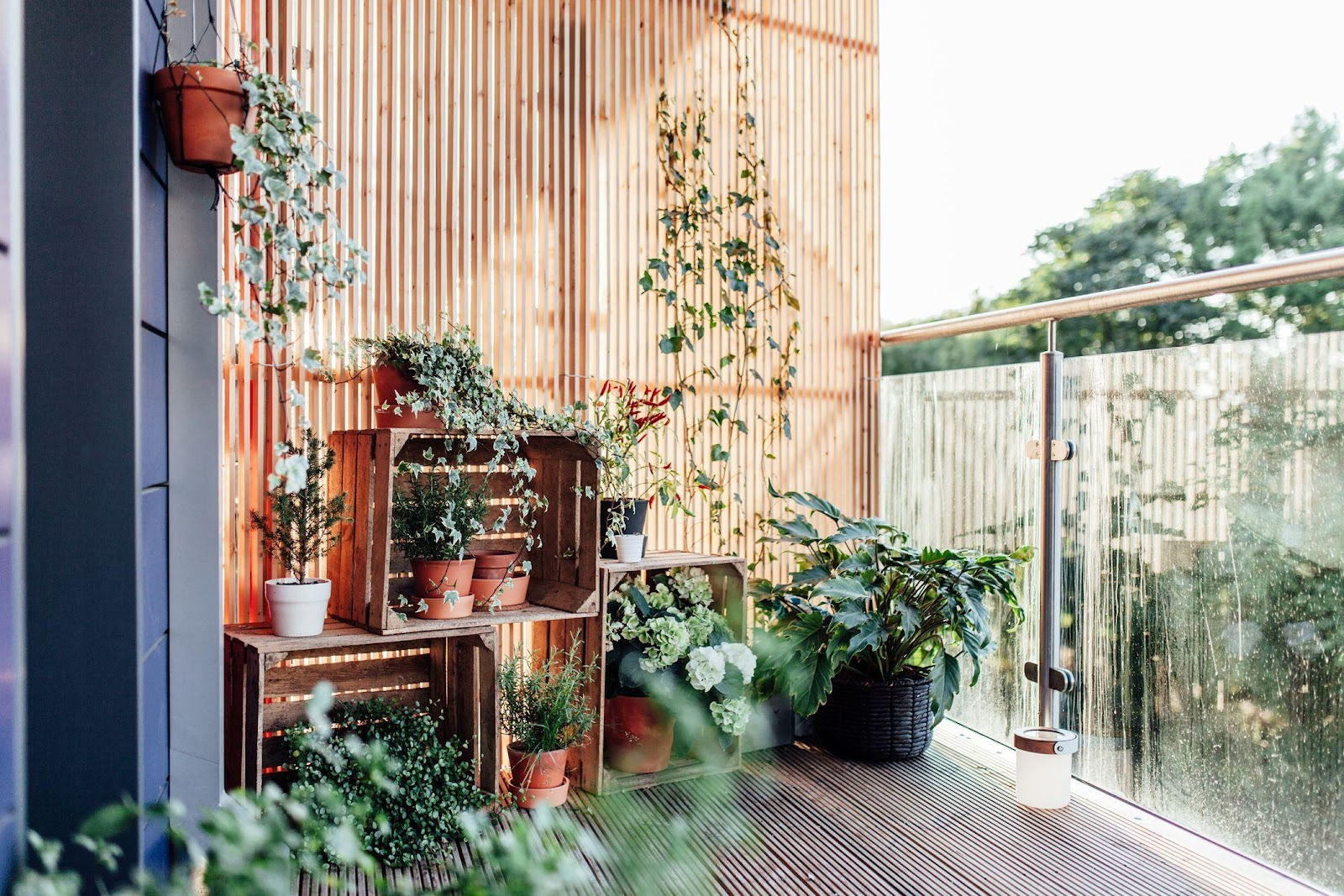 BALCONY BASICS: WORKING WITH SMALL SPACES