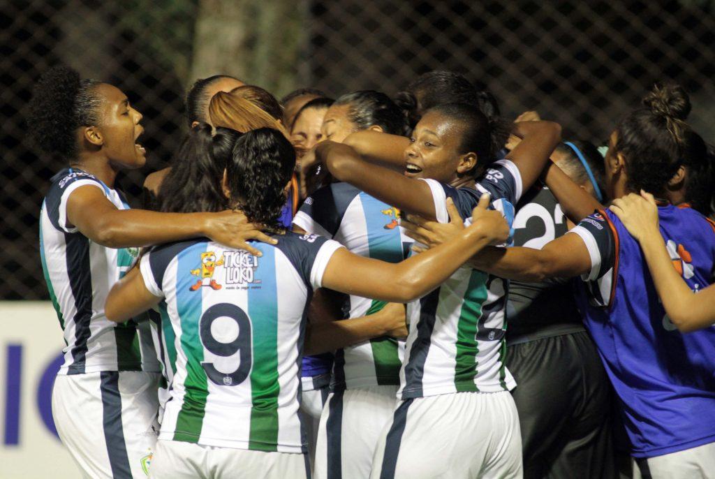 FOZ CATARATAS E VITÓRIA DA BAHIA - 29/03/2017 - 19h00 - ESPORTES - CAMPEONATO BRASILEIRO DE FUTEBOL FEMININO CAIXA - Lance do Campeonato Brasileiro de Futebol Feminino, Foz Cataratas e Vitória da Bahia. - Foto: Christian Rizzi/AllSports