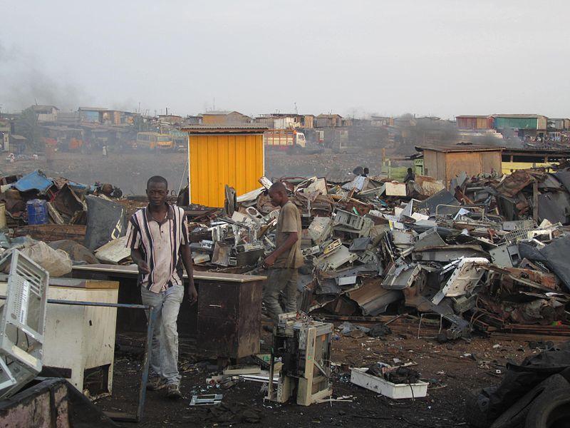 Agbogbloshie centro de lixo eletrônico em Gana