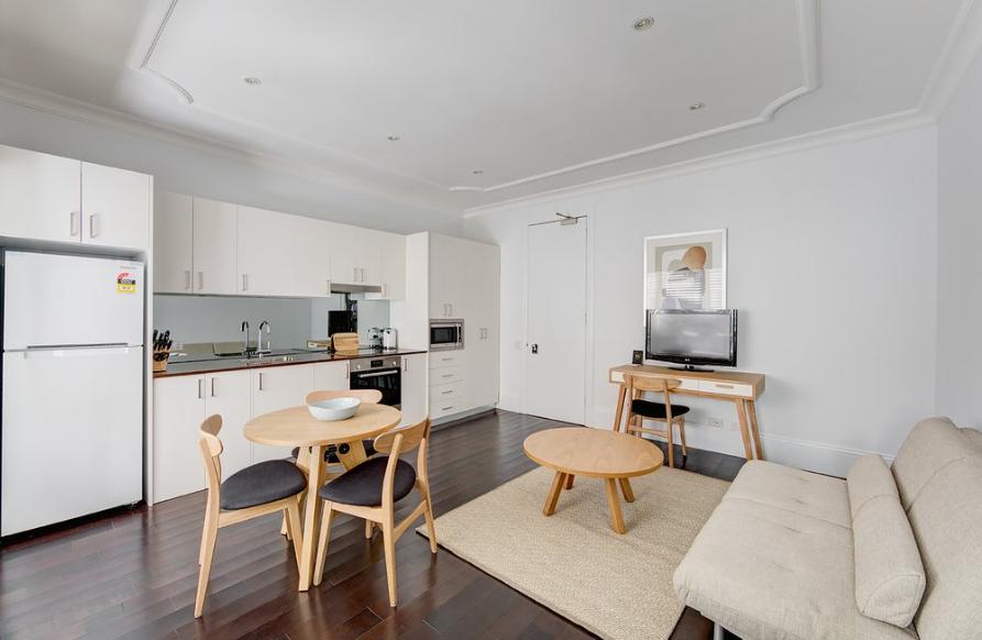Example of Regent's Court studio apartment