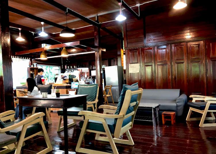 5. White Linen HOME CAFÉ