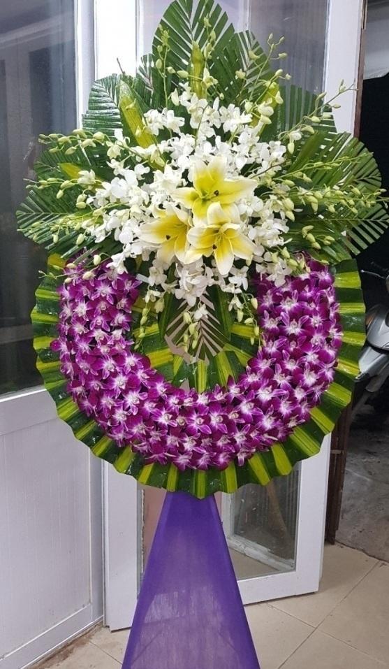 Vì sao lên chọn nơi mua hoa chia buồn quận 4 uy tín nhất hiện nay
