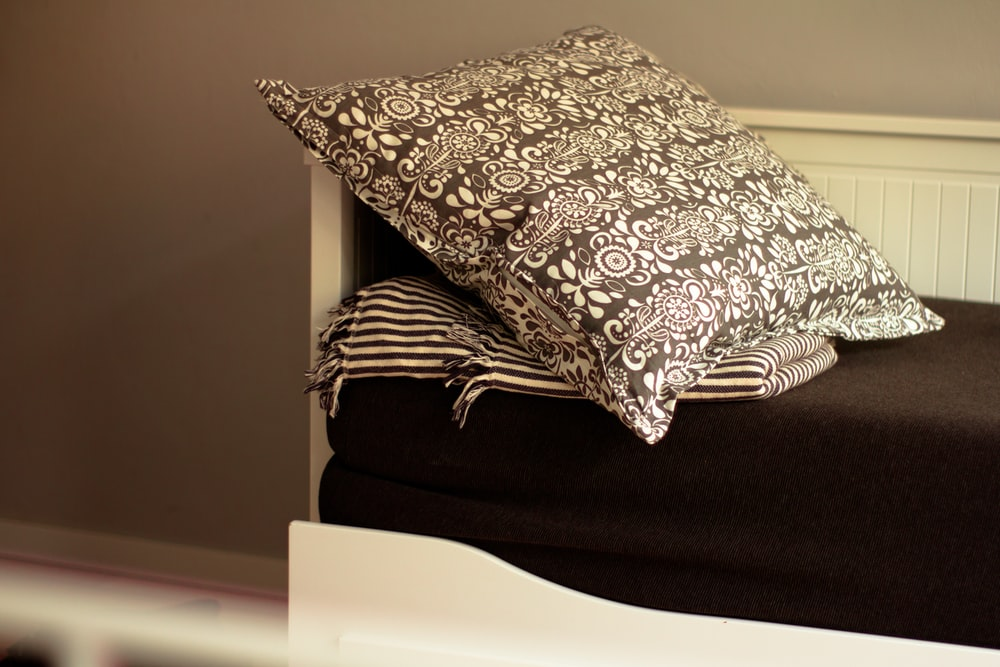 floral throw pillow sofa