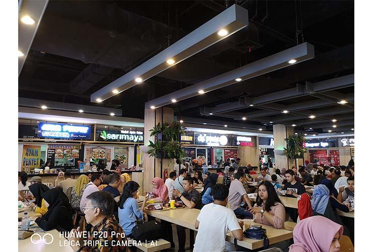 Hasil foto Huawei P20 Pro - Foto indoor, cahaya redup. (Foto: Setia Gunawan)