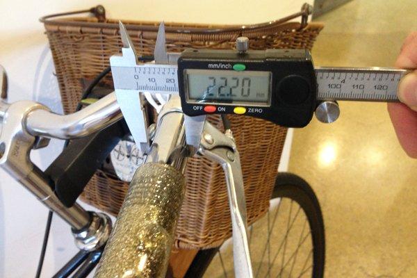 Use a caliper to measure mountain bike grip diameter