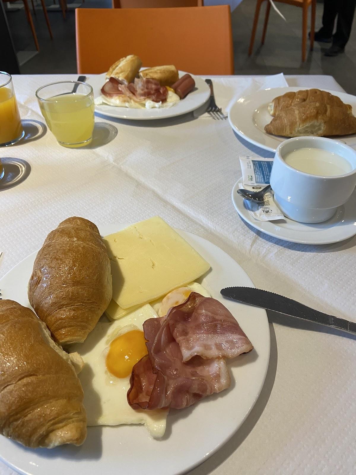 Desayuno en los Apartamentos La Solana