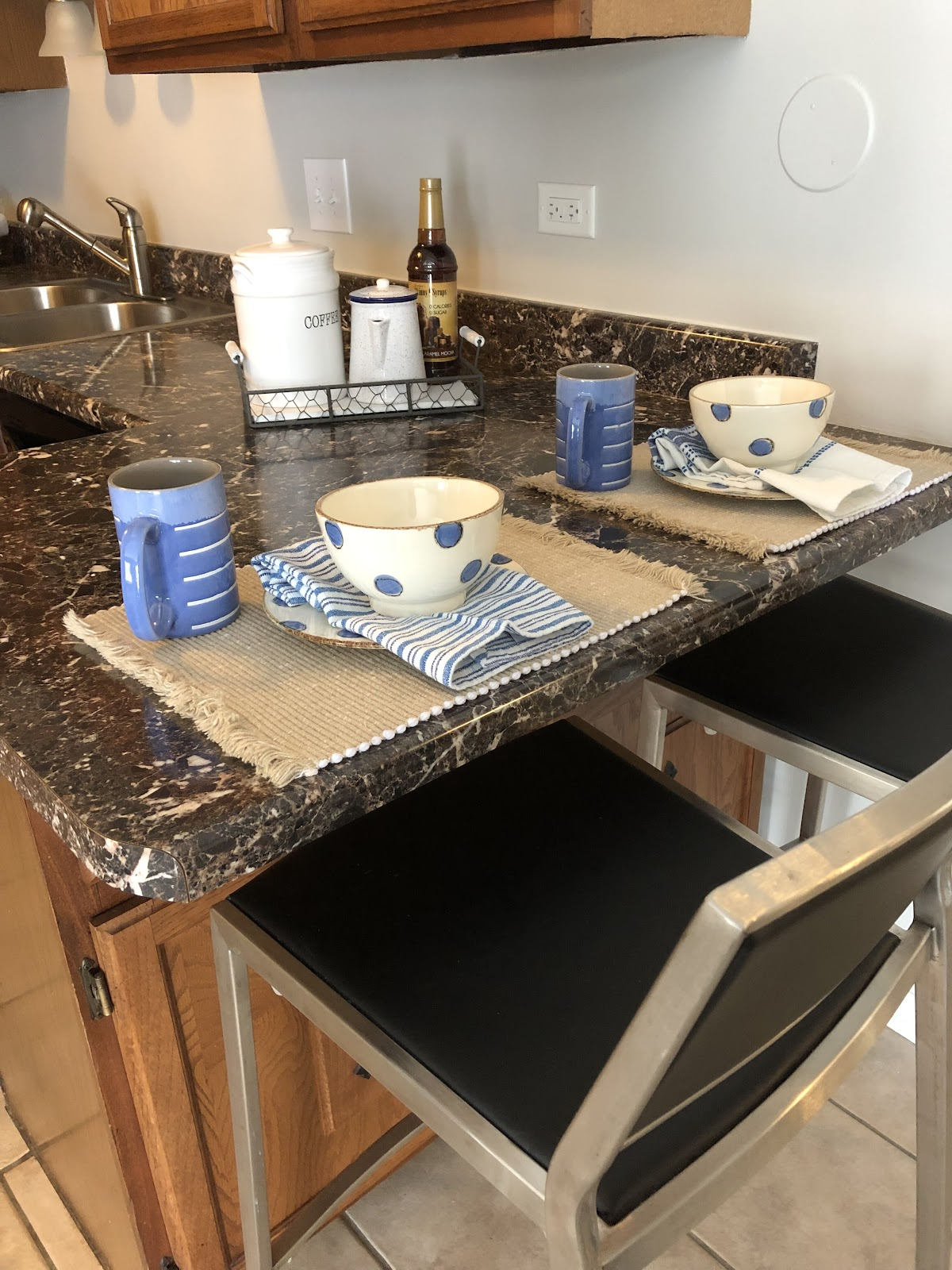 home staging kitchen counter seating area north chicago selling features abrams solutions
