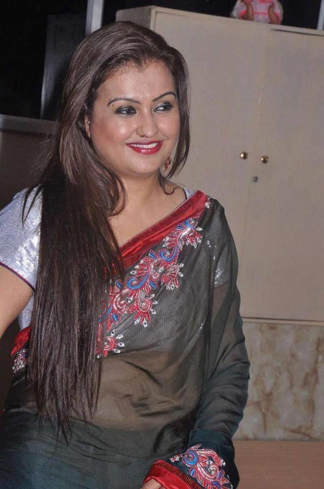 Hot Tamil Actress Sona Heiden HQ Photo Gallery.