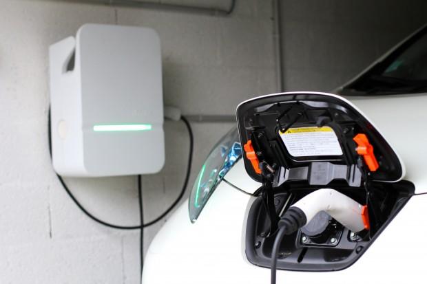 Installation de borne de recharge, par un spécialiste de l'électricité : marc Massa