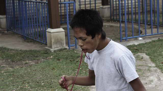 Francisco, con su cordón rojo.