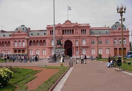 Descrição: http://www.visittangobuenosaires.com/images/Lindh%20photos/CasaRosada-MVC-329F.JPG