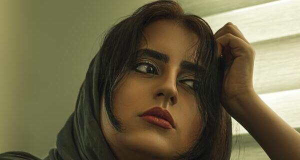 Quiz: Quelle frange va le mieux avec votre visage? rideau