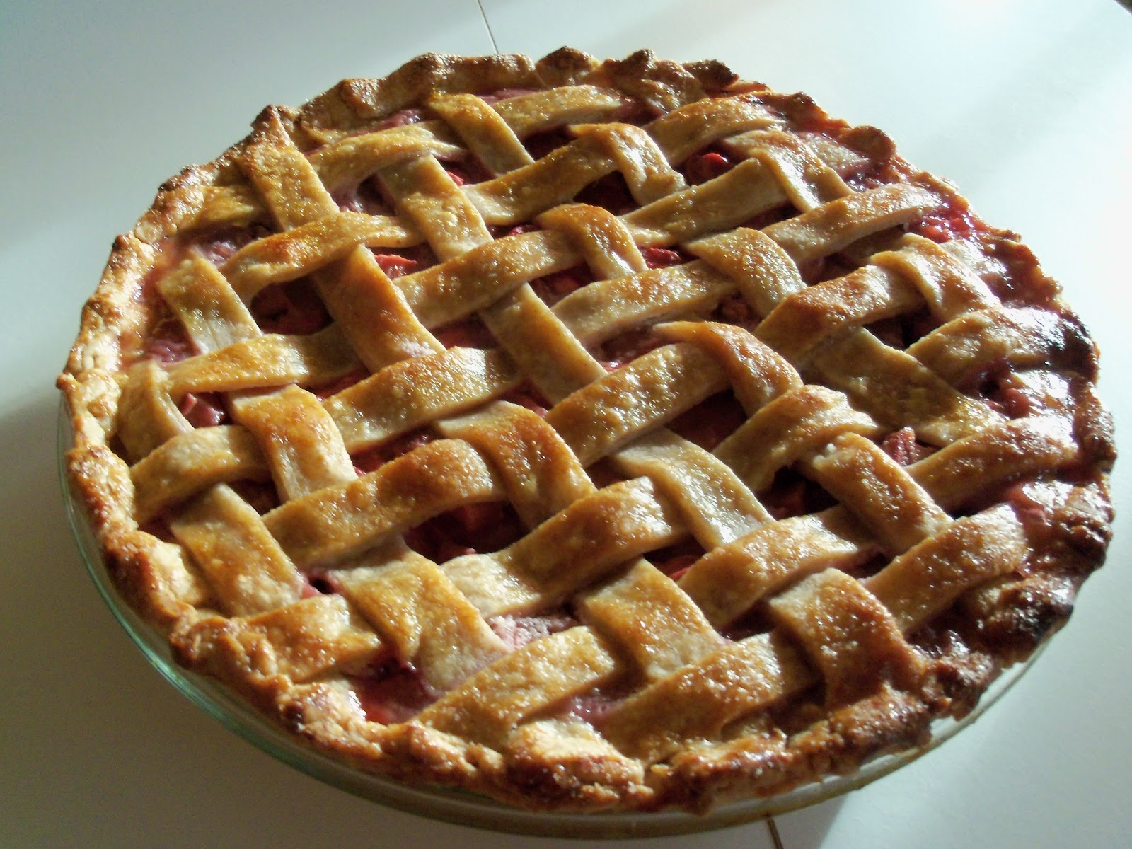 File:Rhubarb Pie Lattice Crust