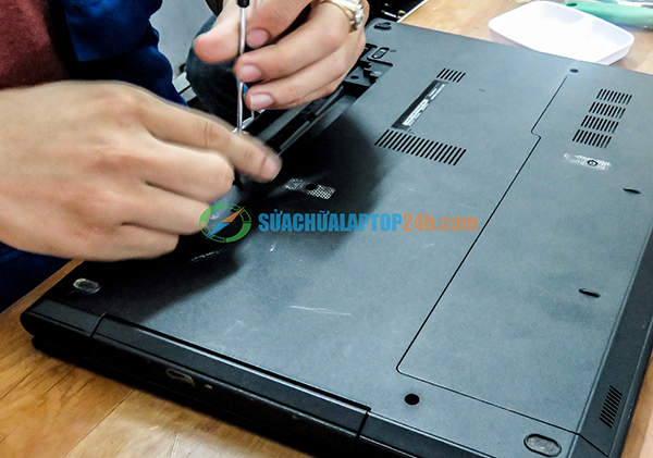 sua-chua-vo-laptop-hp-1