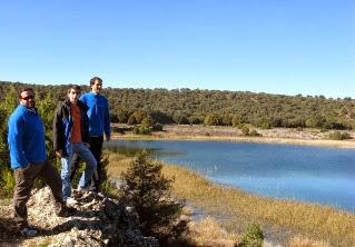 Víctor, Miguel y Daniel en la laguna Tinaja