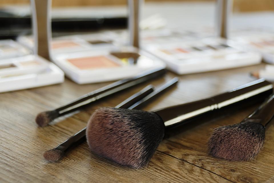 cosmetics-2097507_960_720.jpg