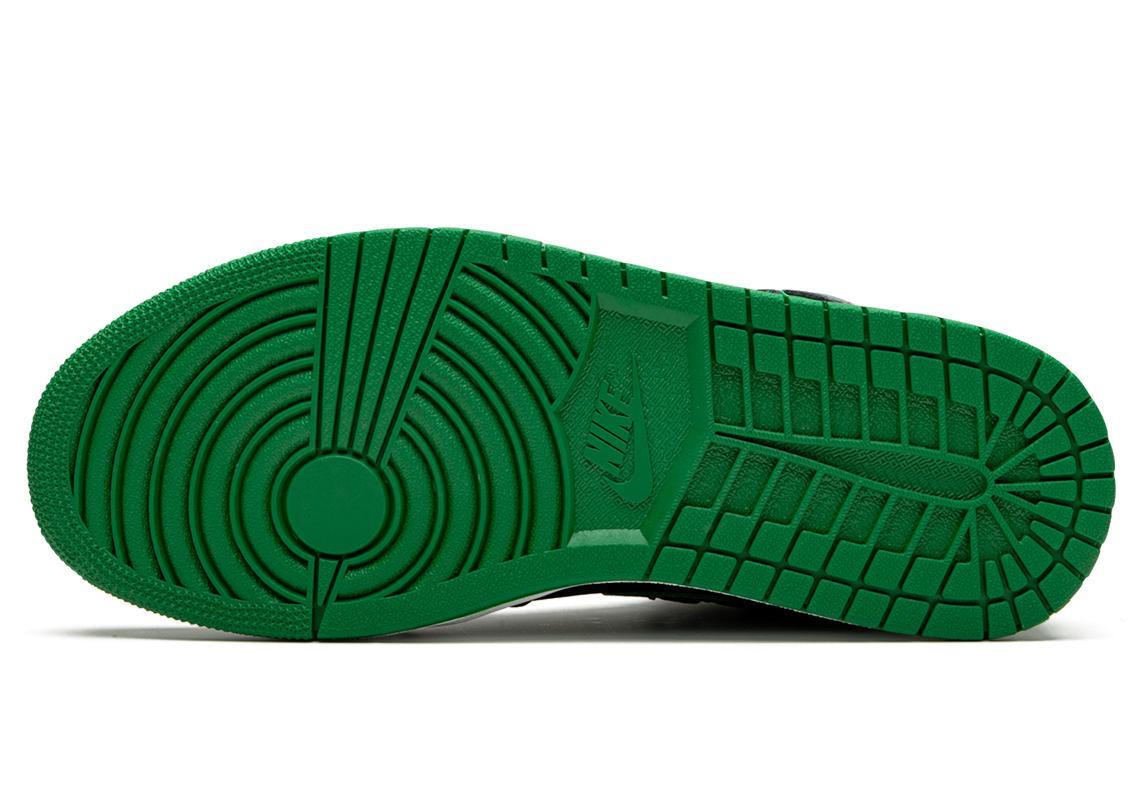 """Air Jordan 1 Retro High OG Black Pine Green"" สายเขียวถูกใจกันไหม 04"