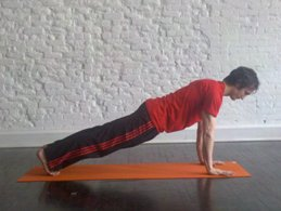 Plank-Yoga-Pose-Yoga-Poses-for-Beginners.jpg