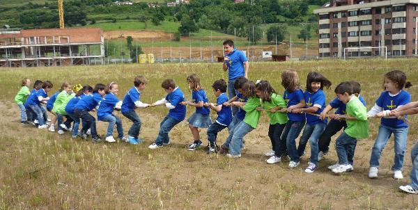 http://www.loyolaescolapios.es/imagenes/20102011/diaasturias/3.jpg