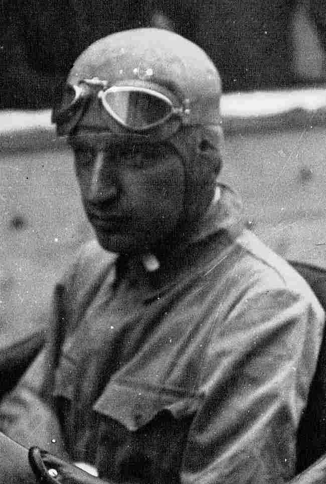 Évolution des casques de pilote depuis 1933