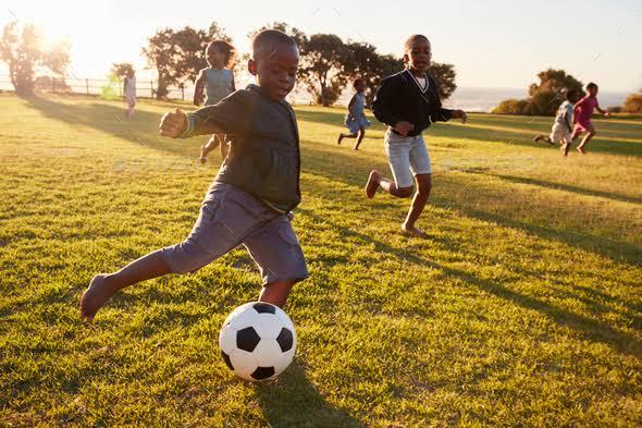 5 การออกกำลังกายสุดฮิต สำหรับลูกรักวัยประถมที่พ่อแม่ควรสนับสนุน !  02