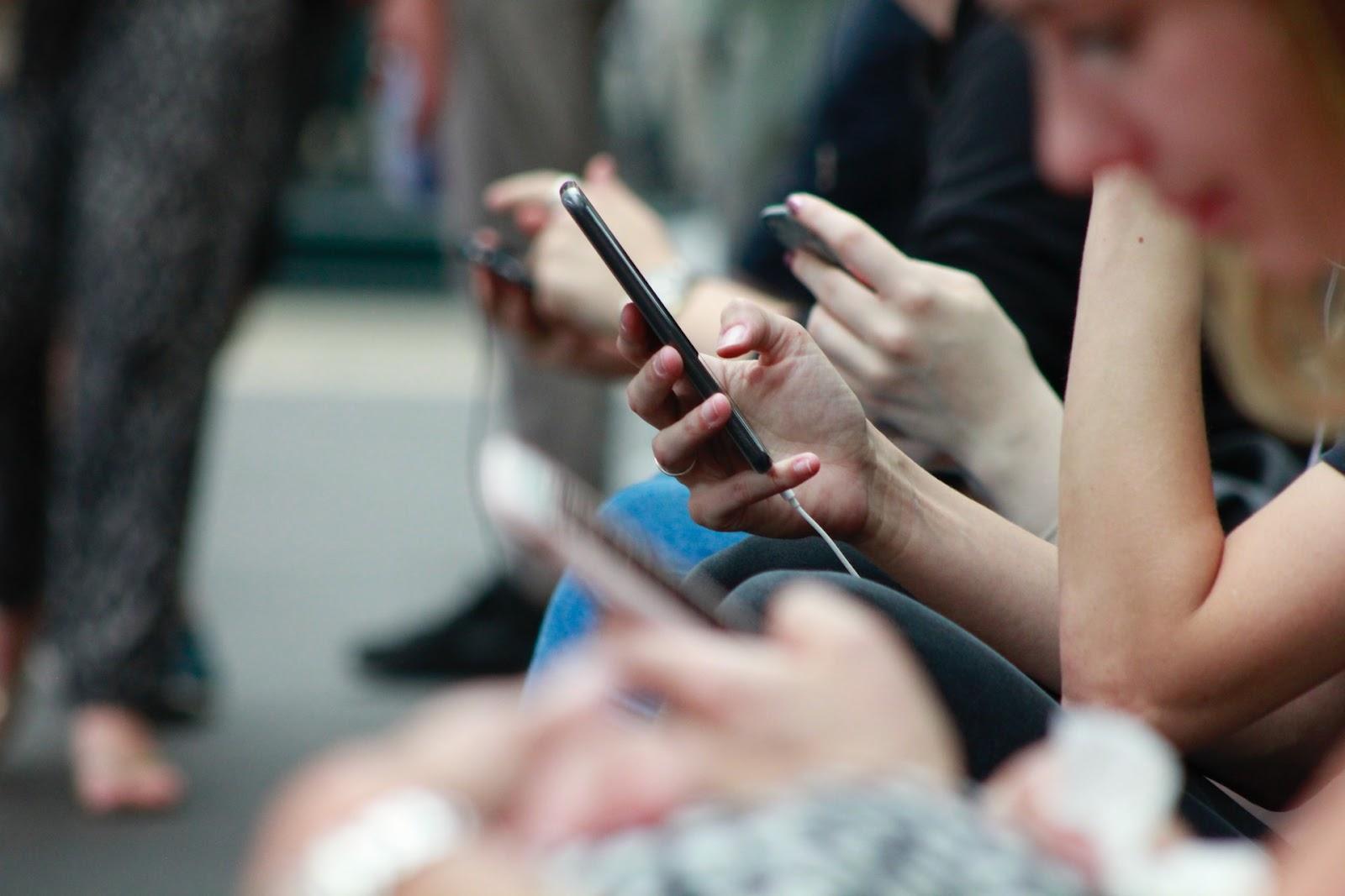 La promotion de produits à risque  pour un influenceur de réseaux sociaux