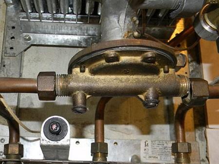 Водный узел газовой колонки с резиновой мембраной
