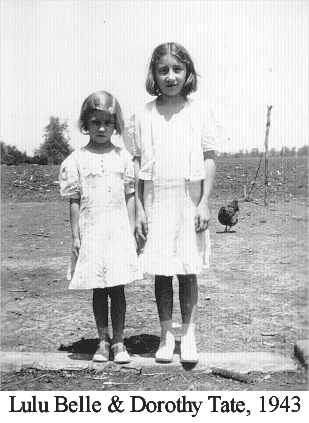 Lulubelle and Dorothy Tate 1943.png
