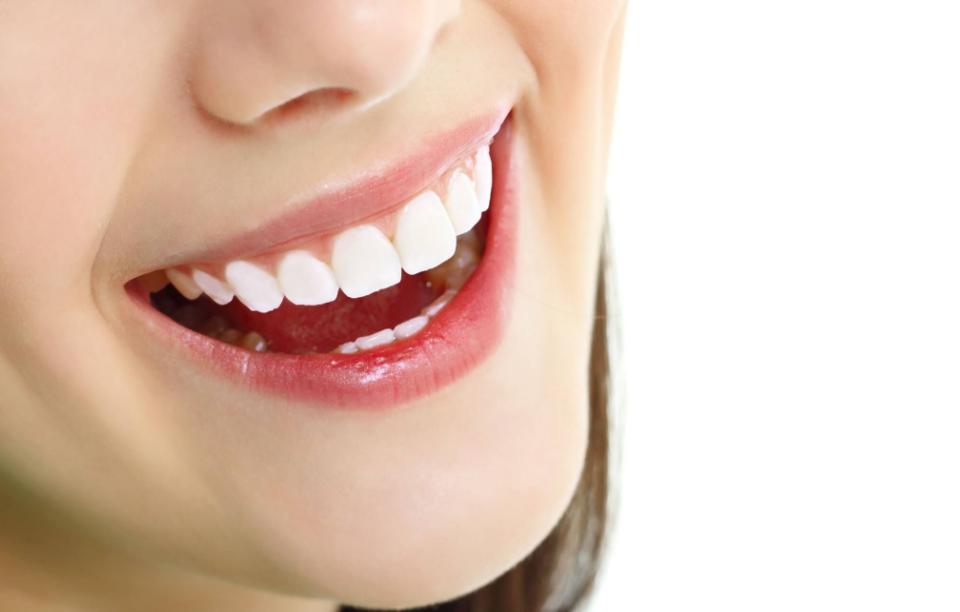 Bọc răng sứ có cần lấy tủy không - có đau lắm không?