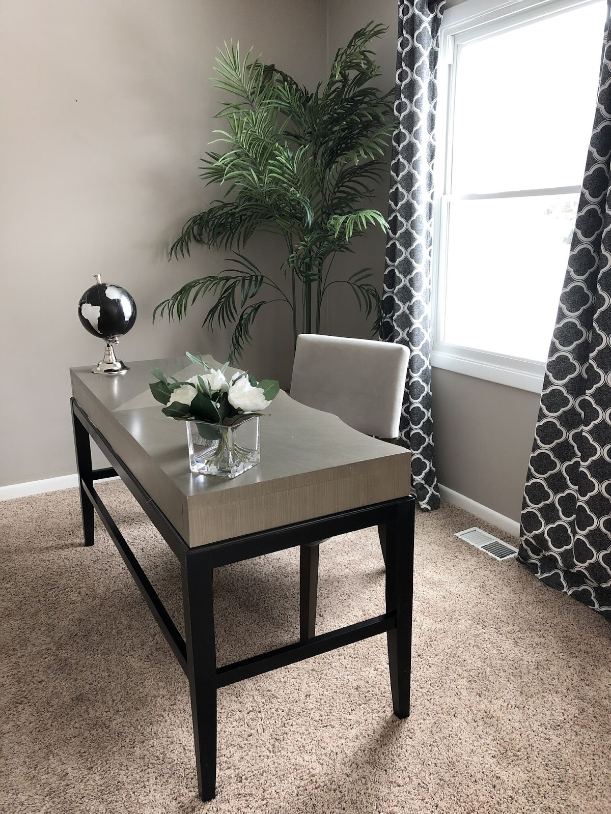 keys to home staging success office desk flowers creamy beige walls north chicago