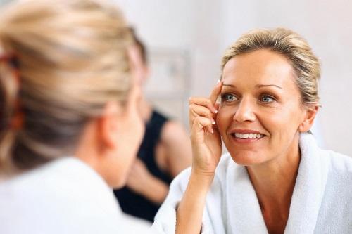 Nâng mũi khi về già có ảnh hưởng, biến chứng xấu hay không? 1