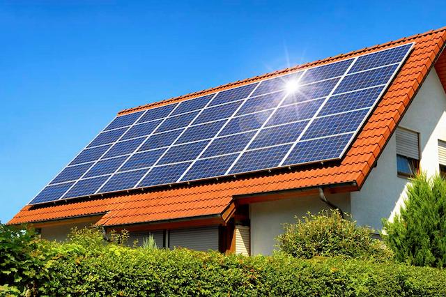 Các bạn nên chọn đơn vị lắp đặt điện mặt trời hoạt động lâu năm