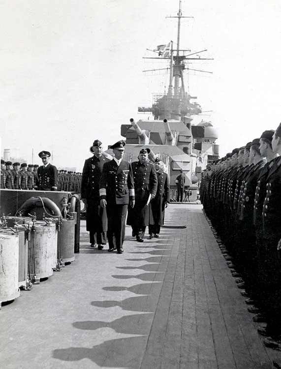German officers in 1946 returning to Bremerhaven