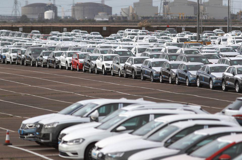 Doanh số bán ô tô mới của Anh trong tháng 7 giảm xuống mức thấp nhất kể từ năm 1998