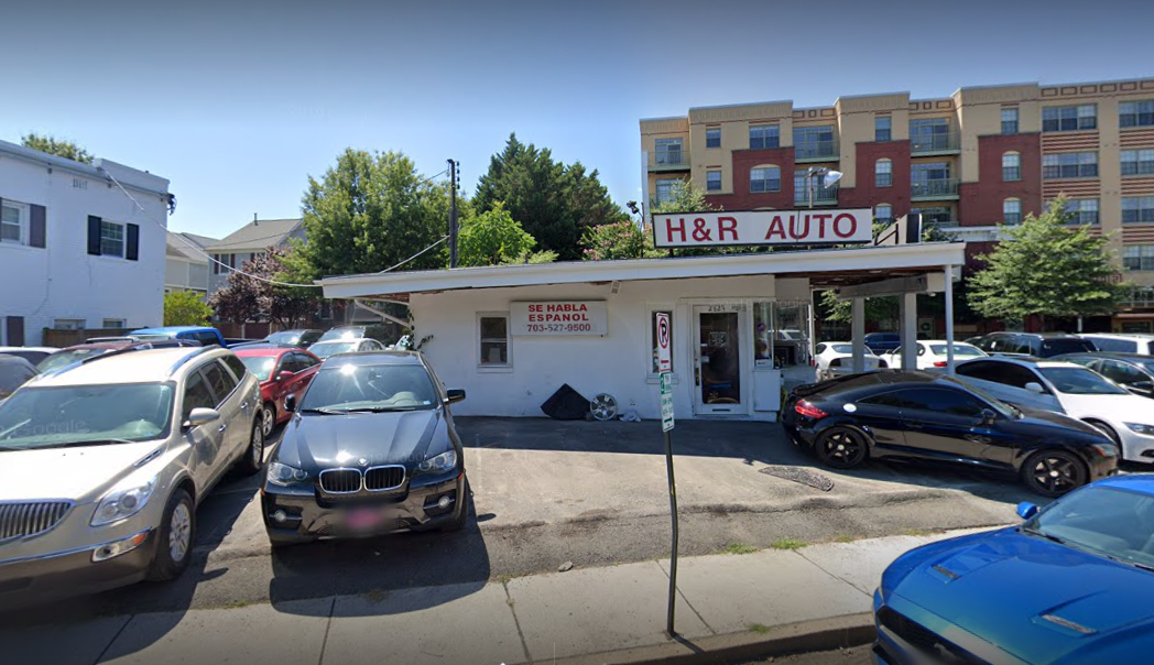 Photo of H&R Auto Sales office